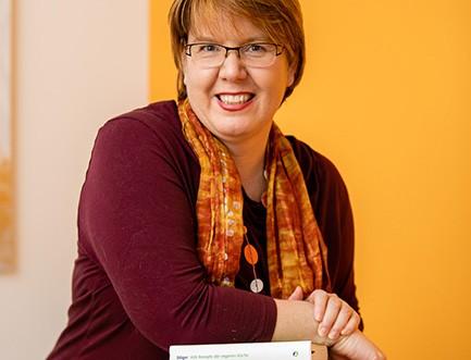Dr. Claudia Nichterl